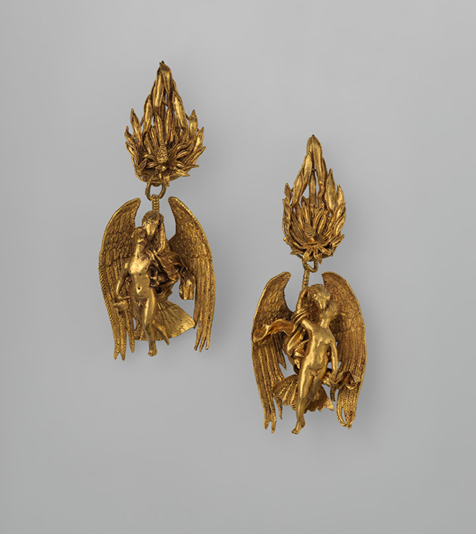 Золотые серьги, Греция, ок. 330-300 г.г. до н.э. Золото