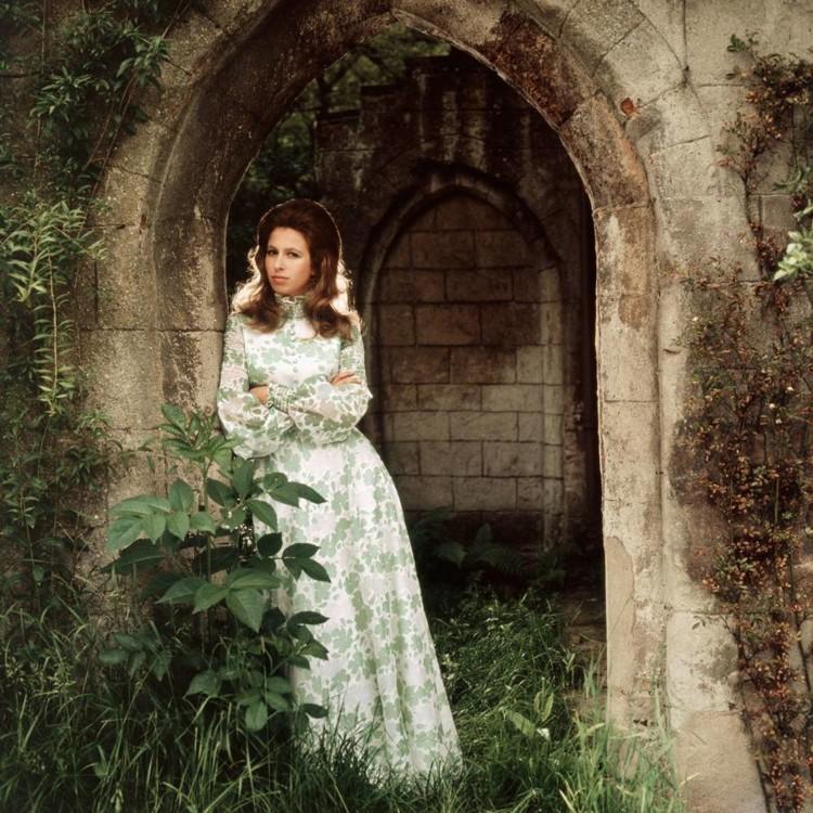 Принцеса Анна, 1971 рік. Фото зроблене в Frogmore House в честь 21-го дня народження