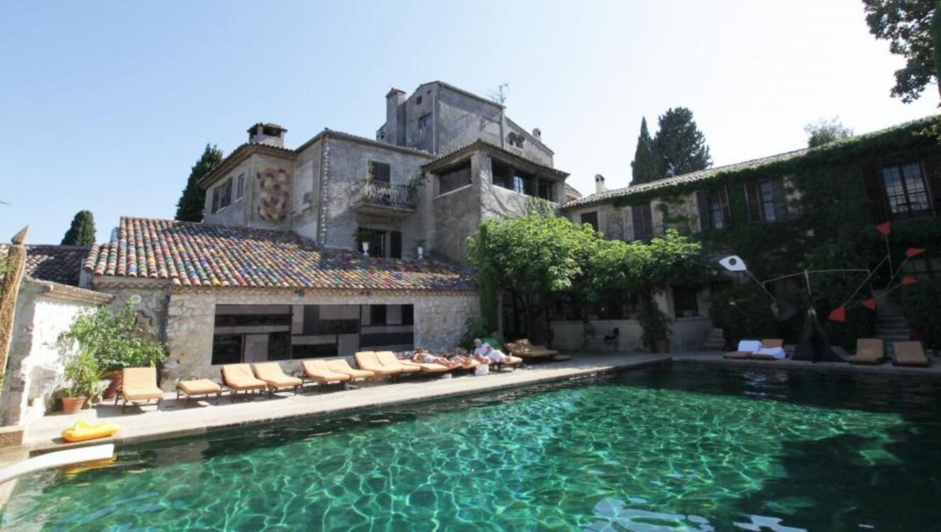 Бассейн в отеле La Colombe d'Or в Сен-Поль-де-Ванс