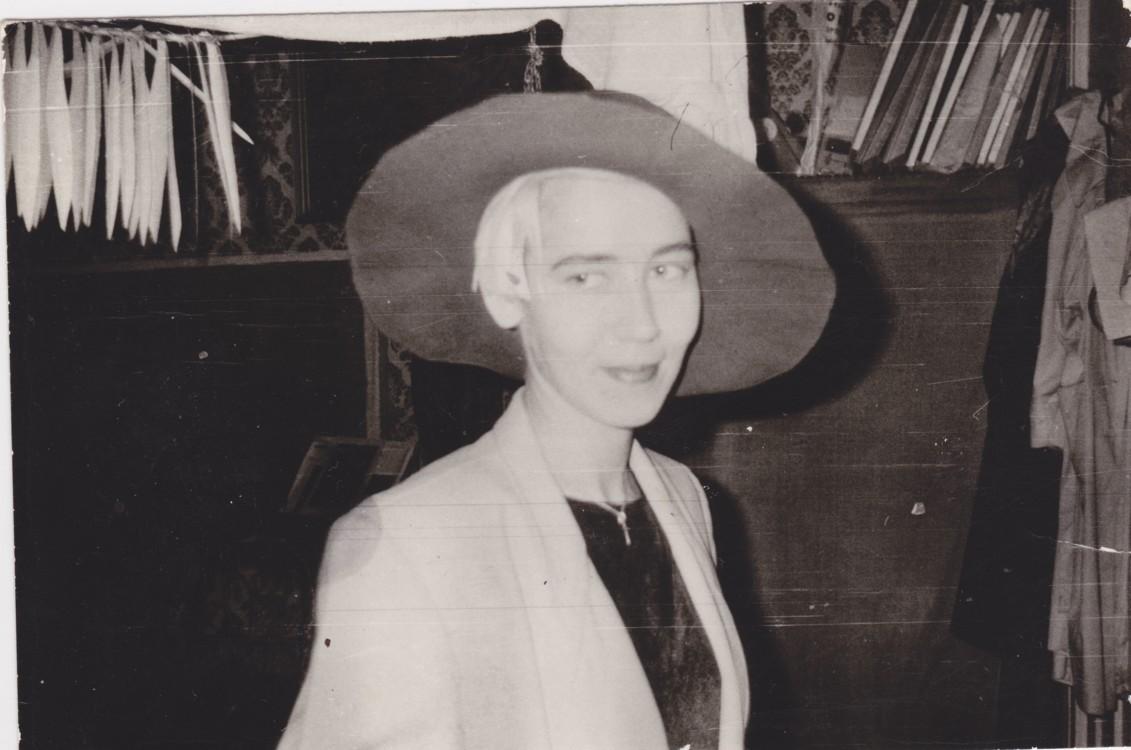 Валерия Трубина в мастерской Ильи Чичкана, 1993-1994. Предоставлено Валерией Трубиной