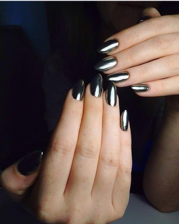 @purple_nails_prague