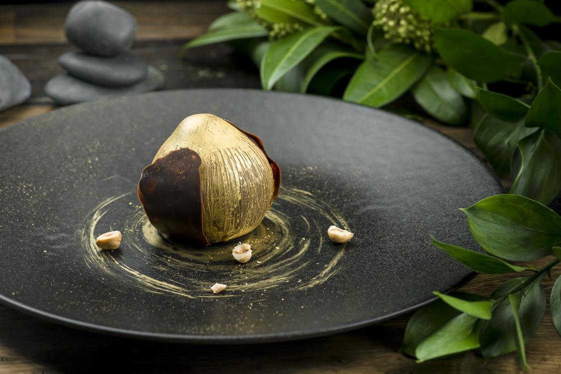 Мусс с пралине из лесного ореха и соленой карамелью