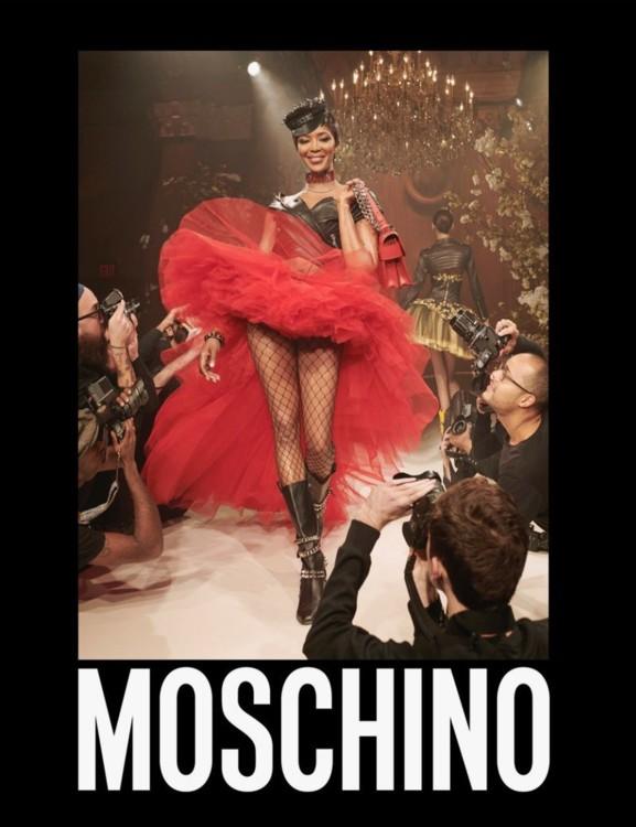 Рекламная кампания Moschino весна-лето 2018, фото: Стивен Мейзел