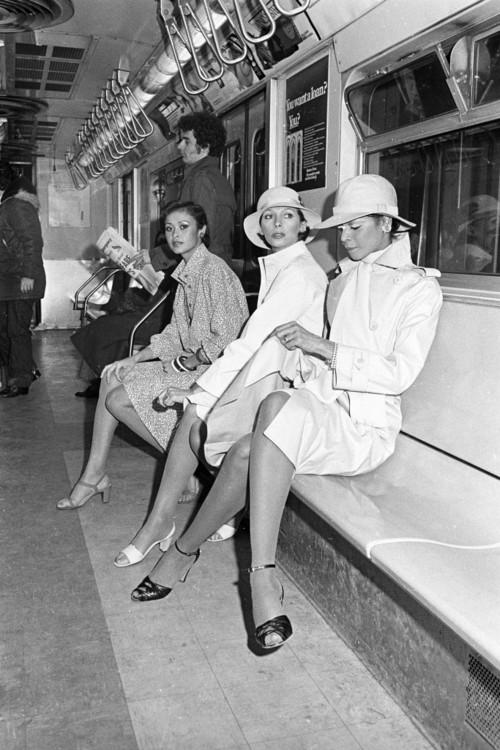 Модели в нарядах Calvin Klein с весеннего показа 1974