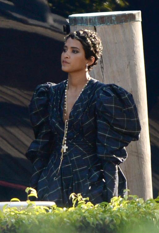 Хелен Ласичан в винтажном клетчатом платье