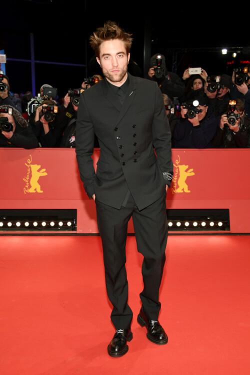 Роберт Паттинсон в Dior Homme на премьере фильма «Девица» в рамках Берлинского международного кинофестиваля, 2018