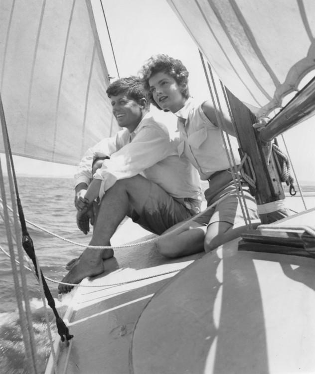 Джон Ф. Кеннеди и Жаклин Бувье в отпуске в порту Хианнис, июнь 1953
