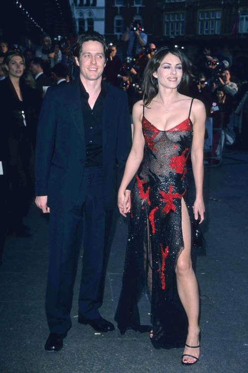 Хью Грант и Элизабет Херли на премьере фильма «Ноттинг Хилл», 1999