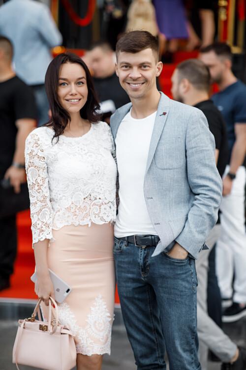 Дмитрий Антонов с супргугой