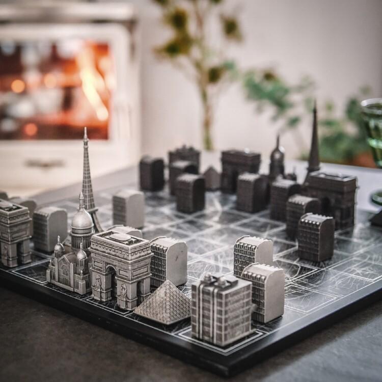 Шахматы The city of Love, Paris, Skyline Chess
