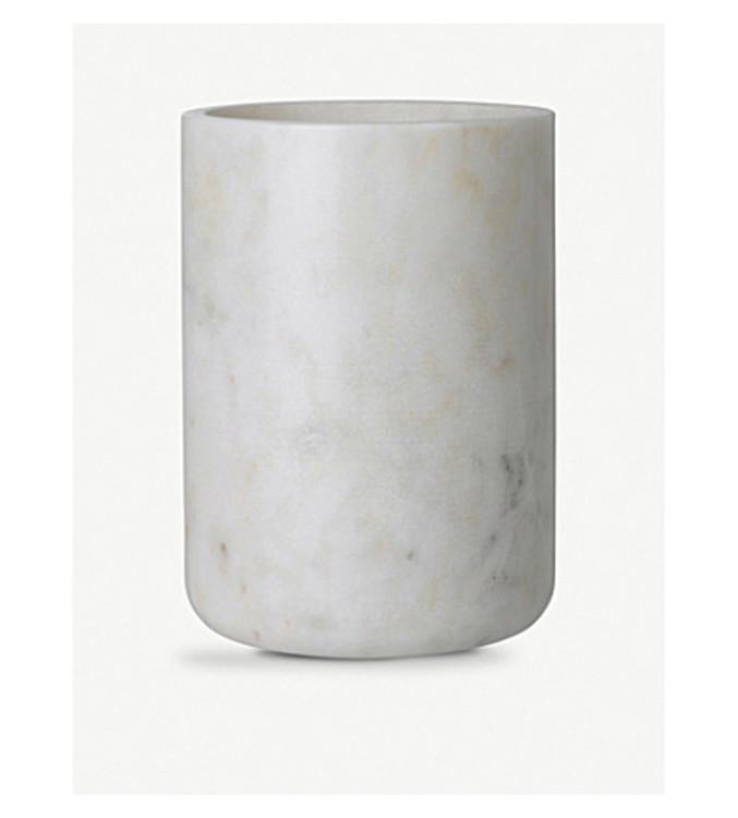 Мраморная ваза, Louise Roe