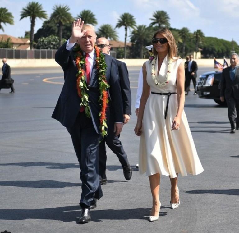 Мелания Трамп в платье Christian Dior