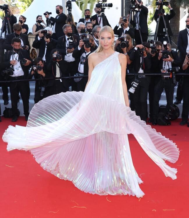 Леонид Ханне в платье Tony Ward Couture