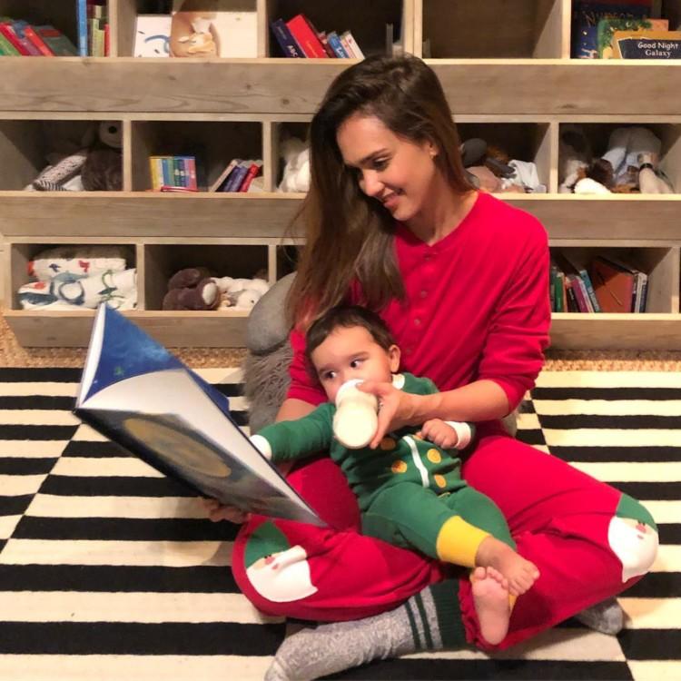 Джессіка Альба і її син Хейес
