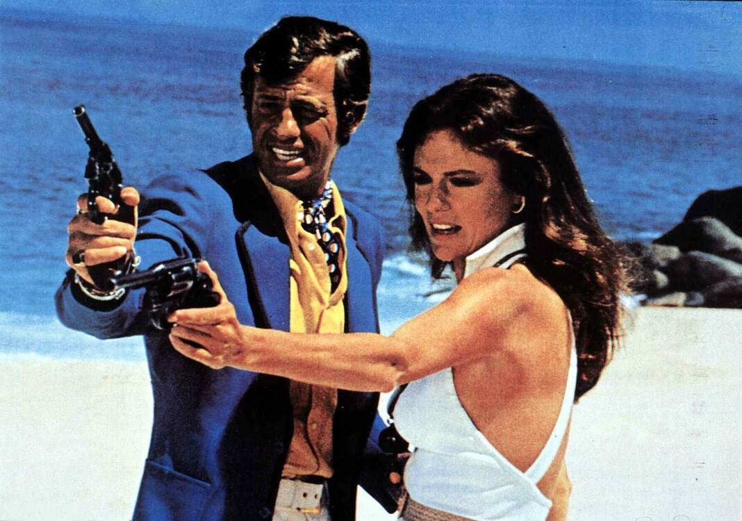 """С актрисой Жаклин Биссет на съемках фильма """"Великолепный"""", 1973"""