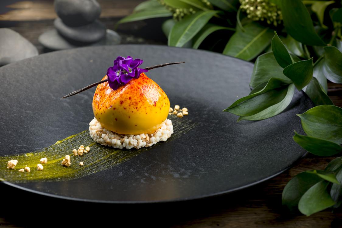 Мусс с натуральным пюре манго и зернами ванили