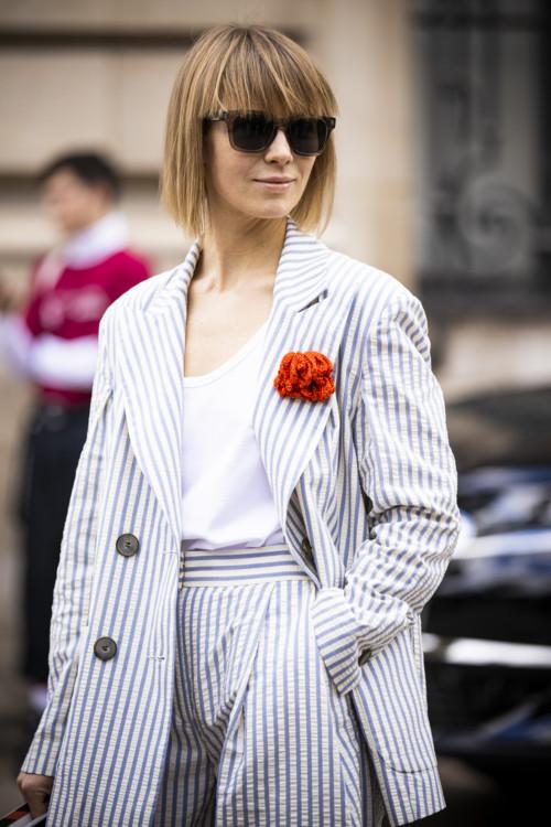 Как модницы носят броши этим летом стритстайл фото лето 2020 фото