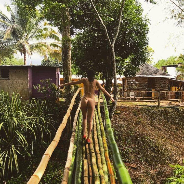 Белла Хадид на Ямайке