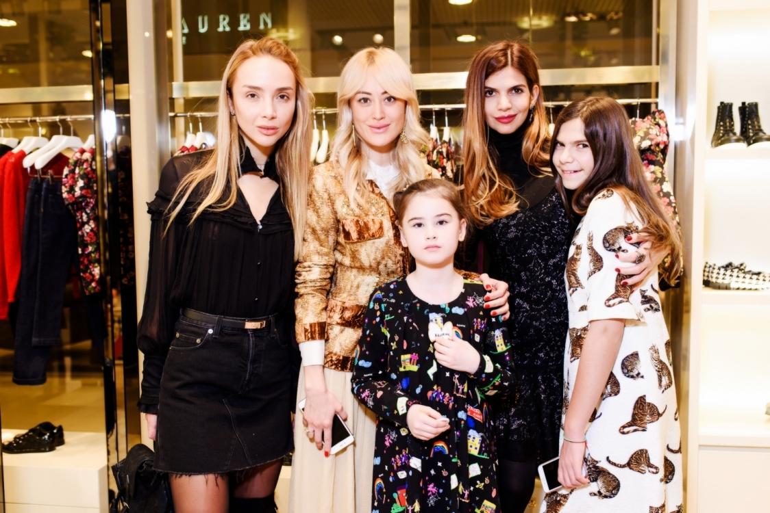 Алена Беттяр, Яна Югай с дочерью Миленой, Алина Алиева с дочерью Сабриной