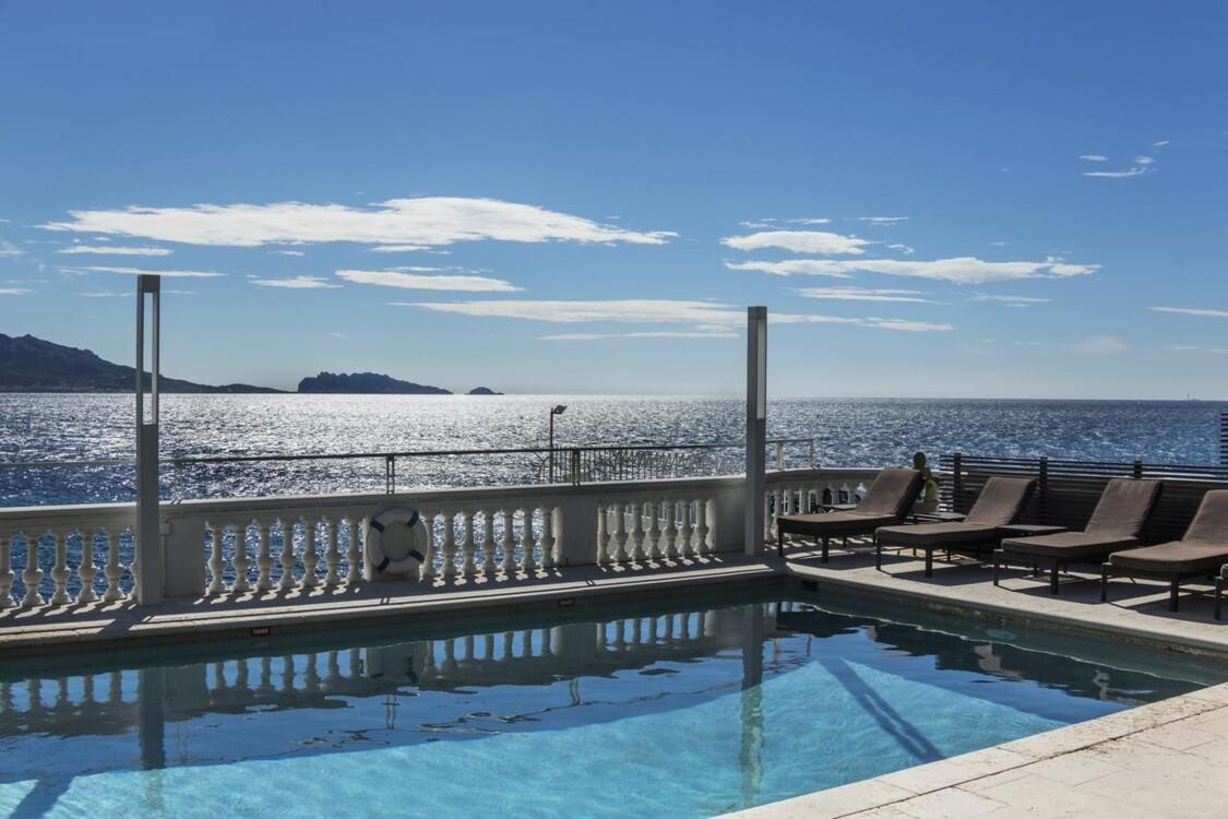 Бассейн в отеле Petit-Nice Passedat hotel в Марселе