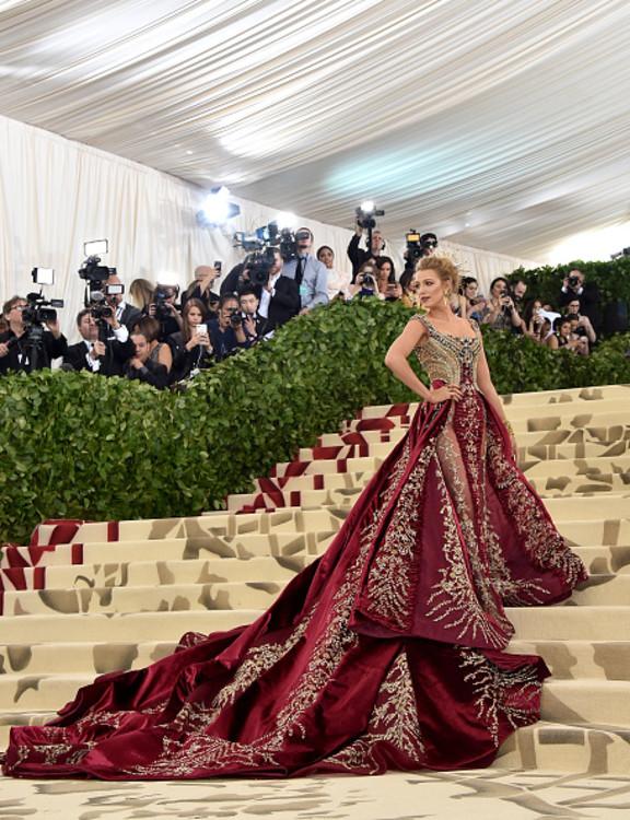 Блейк Лайвлі у Versace