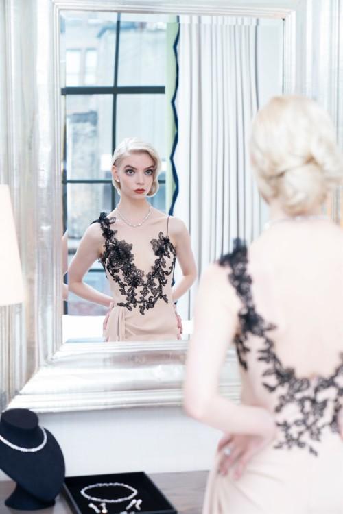 Аня Тейлор-Джой в украшениях Tiffany & Co