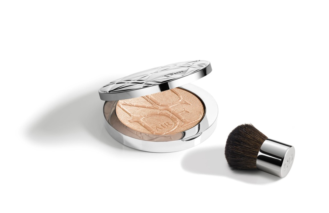 Пудра-хайлайтер DIORSKIN NUDE AIR LUMINIZER POWDER, №001