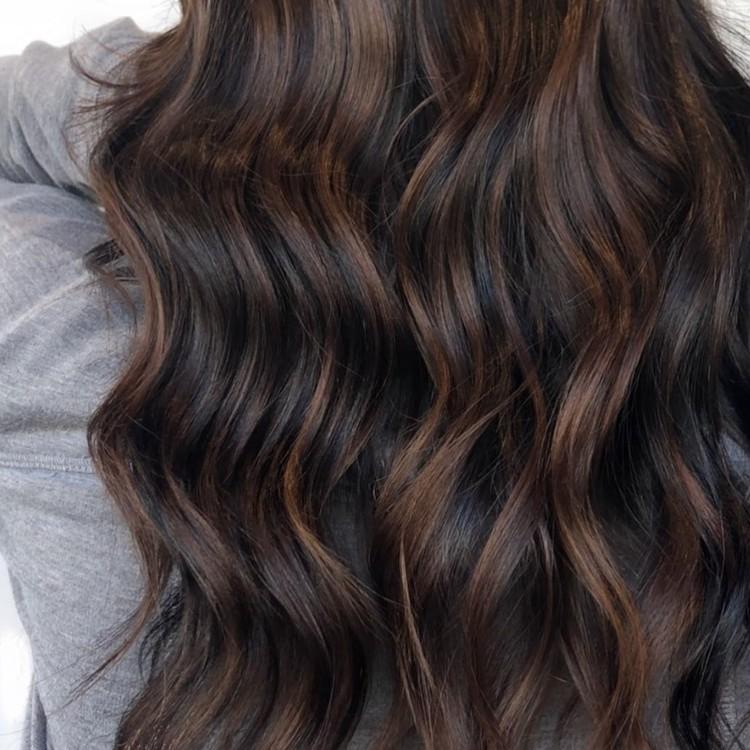 https://www.instagram.com/hairbyamybee