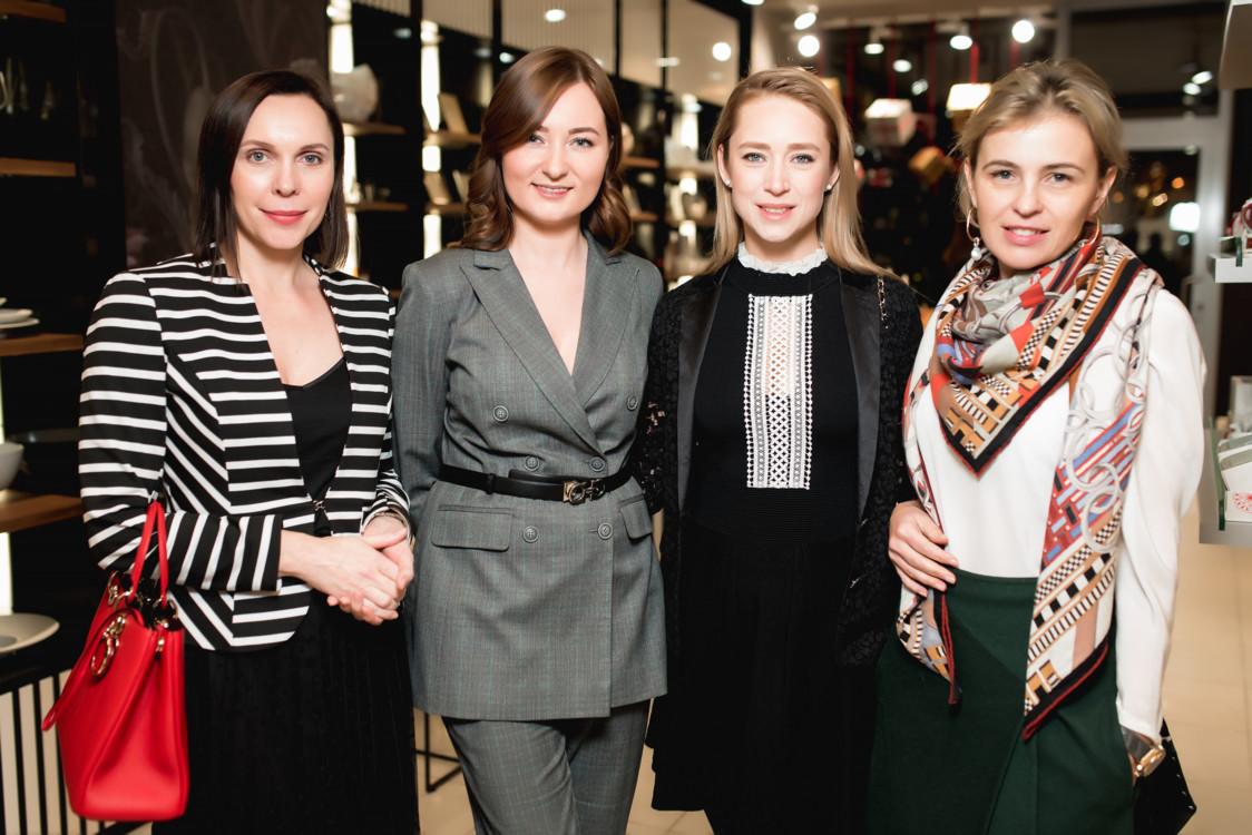 Наталья Савченко, Дарья Ушакова и Мария Гриффин