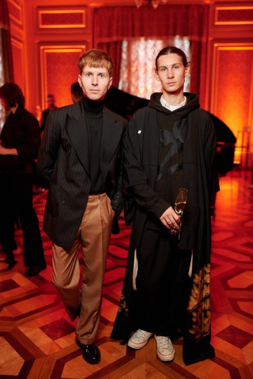 Юрій Амосов (ліворуч)
