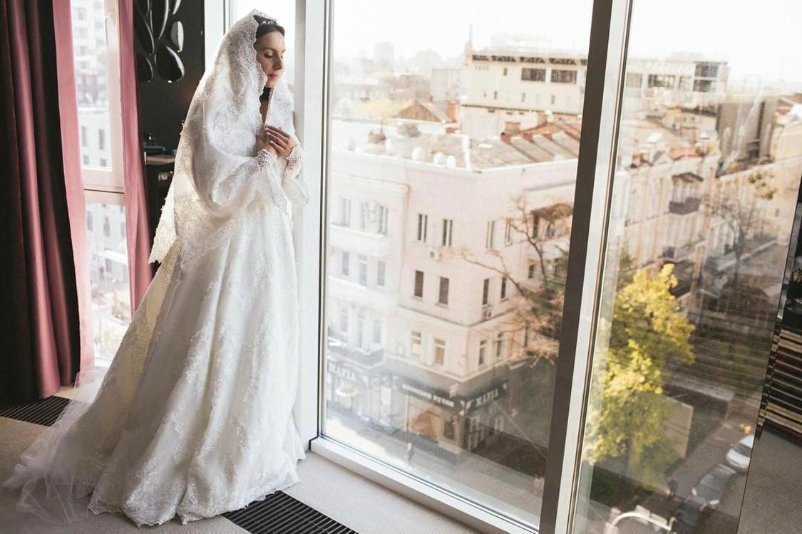 Джамала в платье, придуманном Бичоллой Тетрадзе