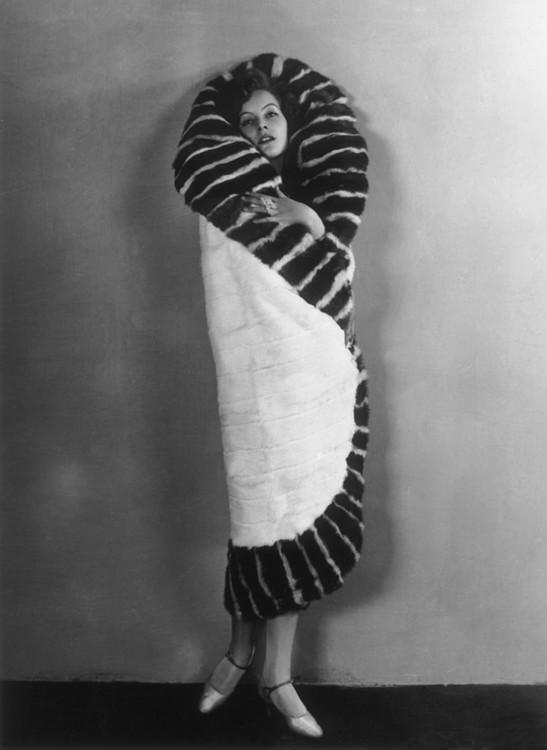 Грета Гарбо на вечірці в одному з нью-йоркських театрів
