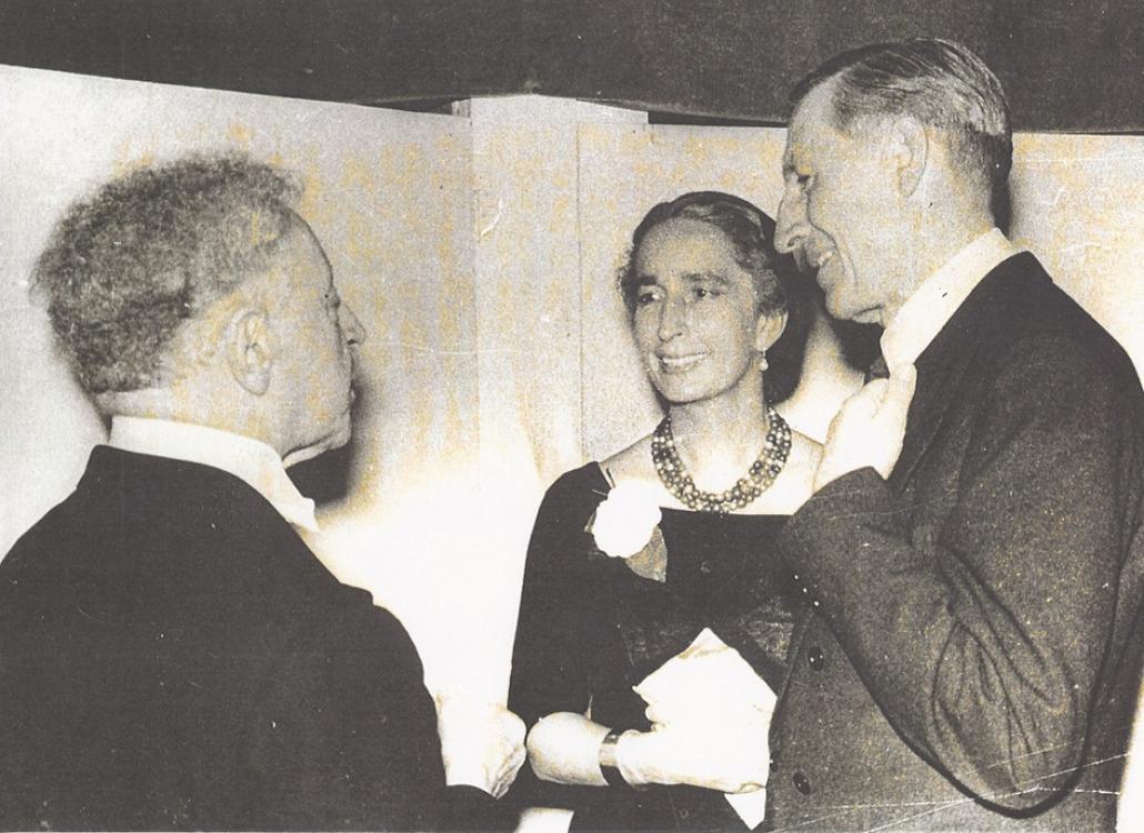 Родители Изабель, Йожеф и Кристин Потоцкие, с пианистом Артуром Рубинштейном в Мадриде