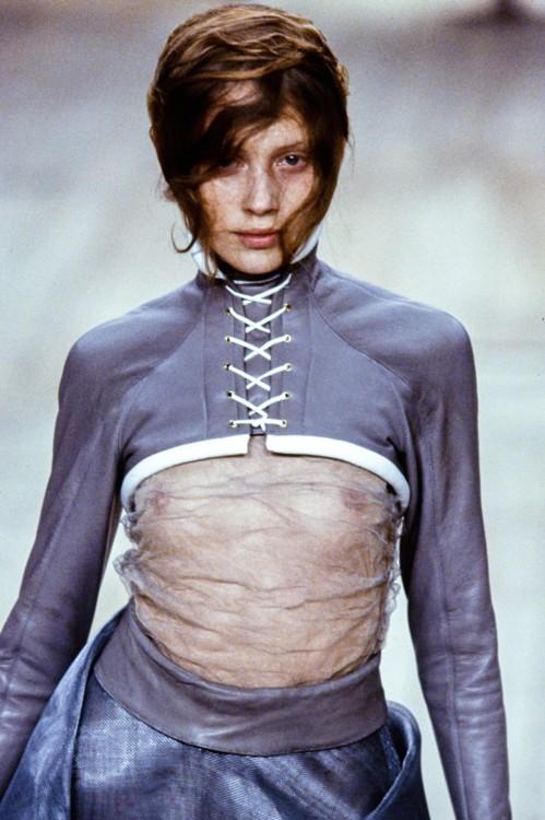 Alexander McQueen весна 1999