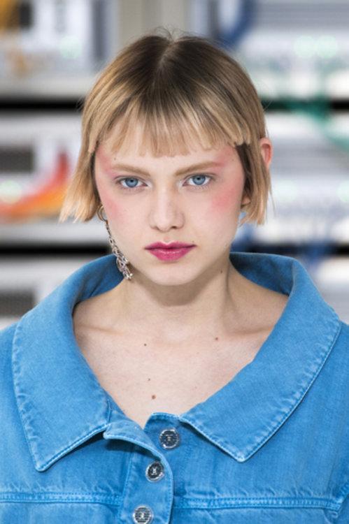 Кэти Мур на показе Chanel