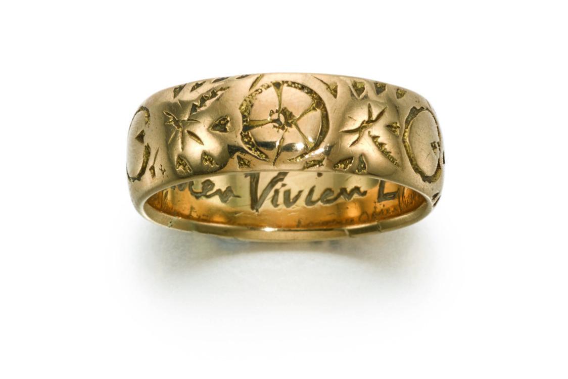 Золотое кольцо Лоуренса Оливье, Estimate £400-600