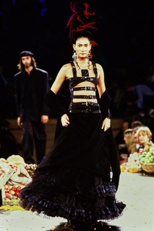 Коллекция Жана Поля Готье 1998 года, посвященная Фриде Кало