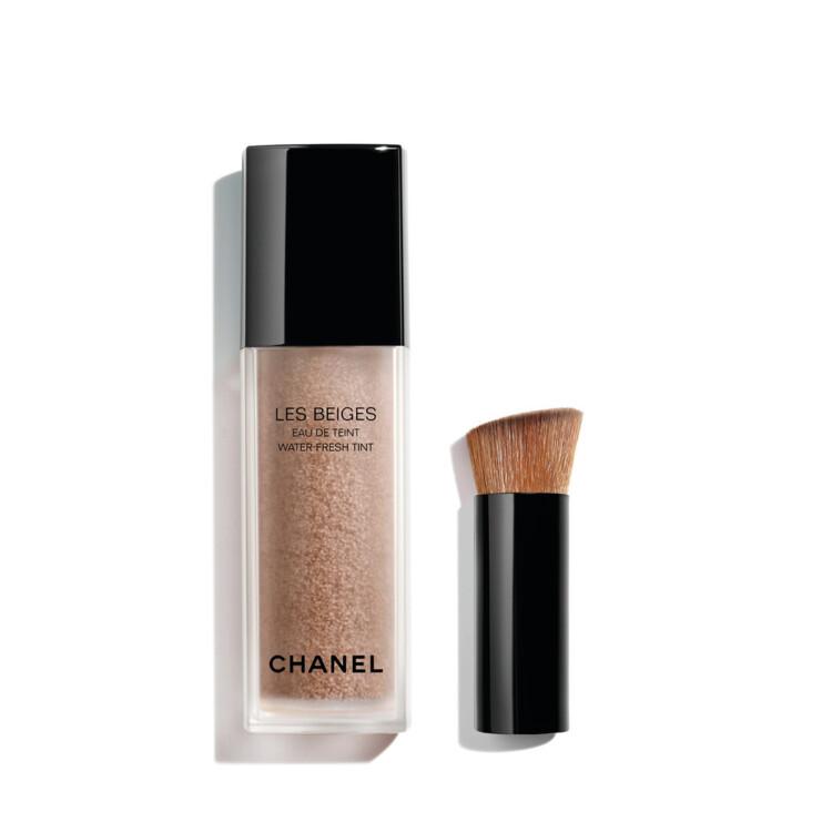 Тональный тинт Les Beiges Water Fresh Tint оттенка Medium, коллекция макияжа Les Beiges Summer Light Chanel