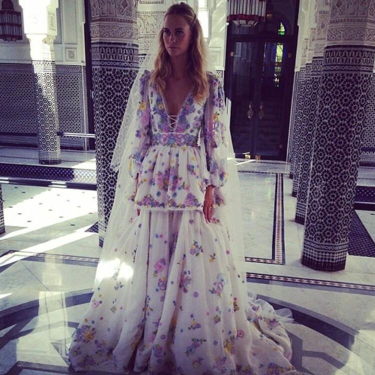 Поппи Делевинь в свадебном платье Peter Dundas, 2014