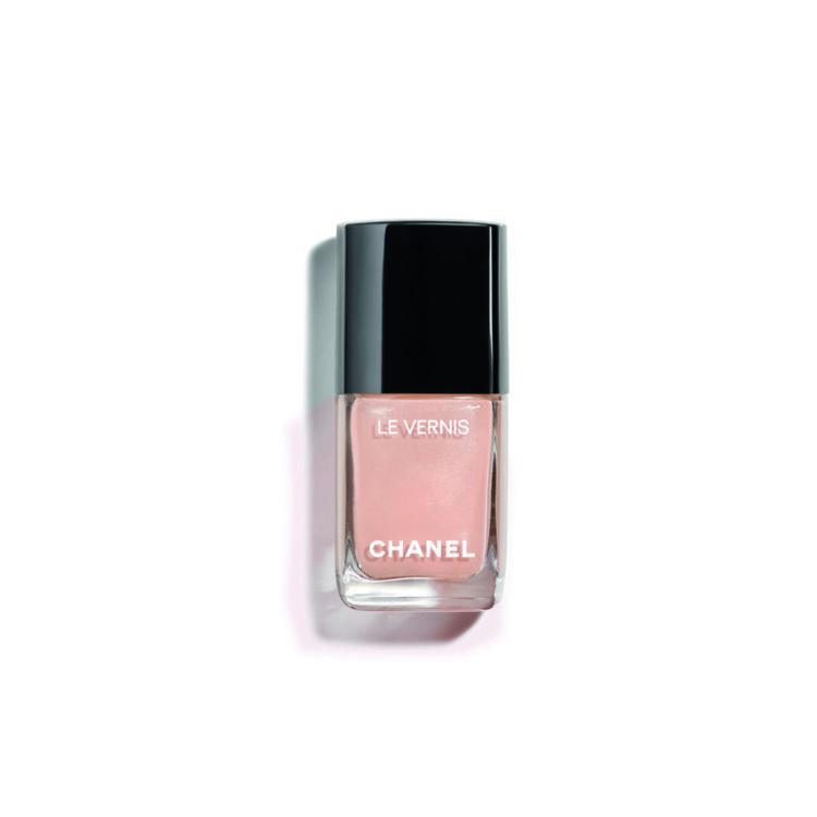 Лак Le Vernis оттенка Glimmer, Chanel