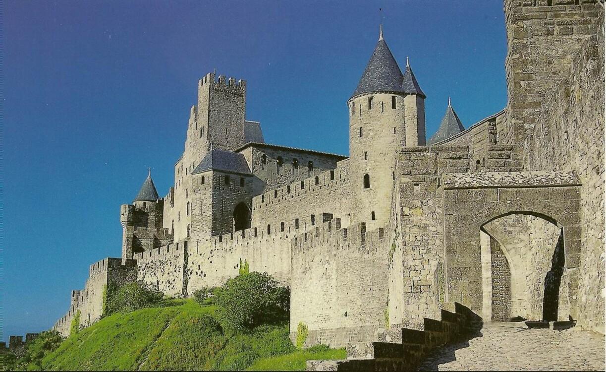 Замок в Каркасоне