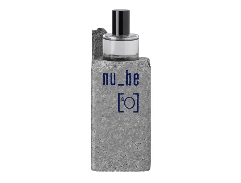 Воздушный и неуловимый фужерный аромат Oxygen [8O], Nu_Be (One of those) – это сочетание нот кедрового дерева, ветивера, хрустальных альдегидов, гваякового дерева и мускуса