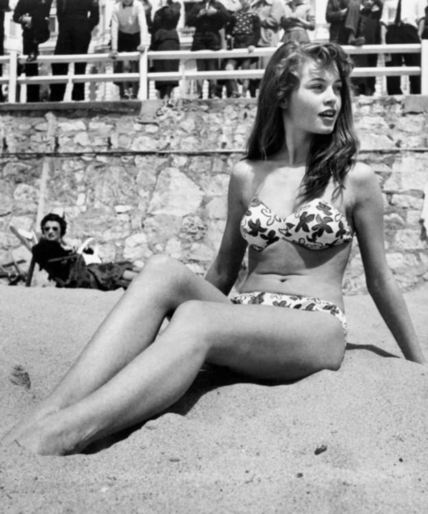 Бріджит Бардо, 1953