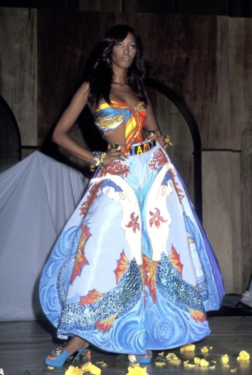 Наоми Кэмпбелл в Versace на гала-вечере AmFAR в Нью-Йорке в феврале 1992 года
