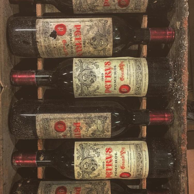Вина Château Pétrus @seckfordwines
