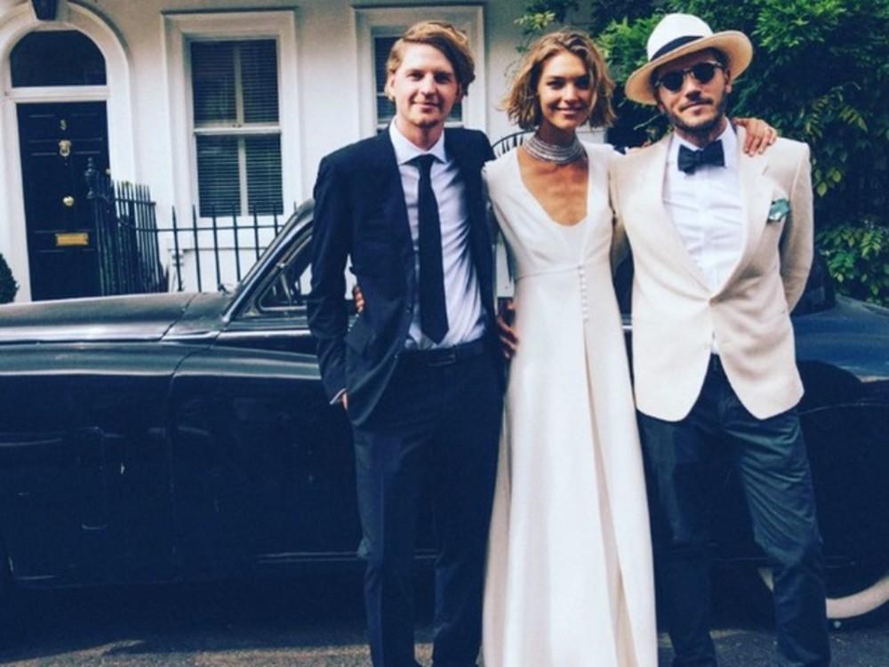 Аризона Мьюз в платье британского дизайнера Alice Temperley
