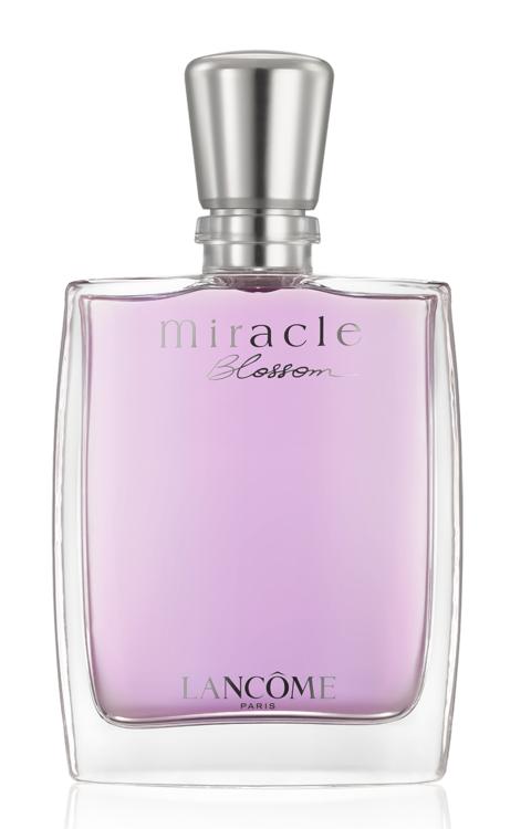 "Miracle Blossom Lancôme с пионово-розовым букетом на подушке из личи и яблок ""Гренни Смит"""
