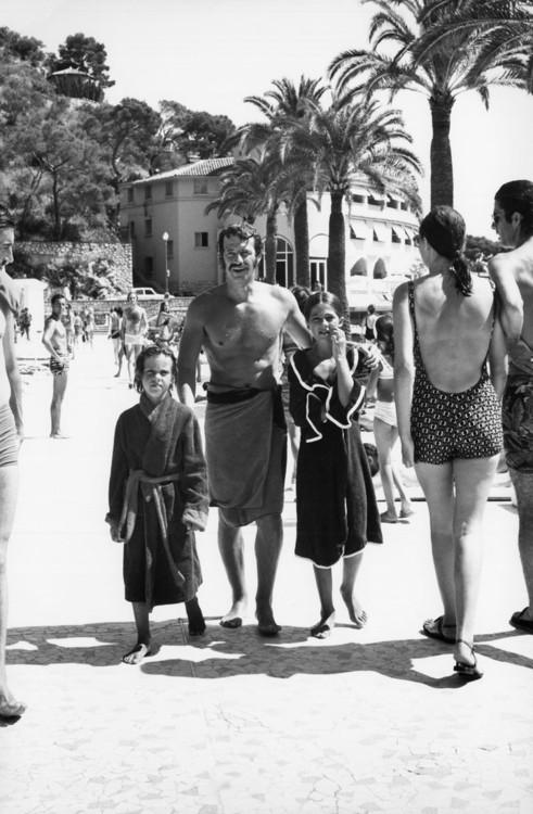 Жан-Поль Бельмондо на семейном отдыхе в Монте-Карло