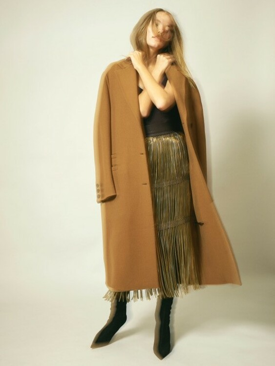 Пальто, топ и юбка – Salvatore Ferragamo, ботфорты Sergio Rossi