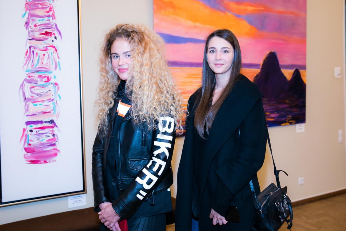 Лера и Татьяна Никоновы